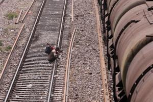 Crack noticed on railway track between Adina and Eklakhi stations in...