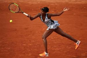 French Open: Venus Williams, Dominic Thiem enter Round 2