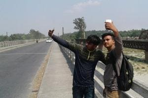 Bridge over Yamuna river breaks internet barrier in riot-hit...