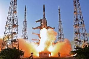 Indian scientists prepare new rocket for takeoff in June