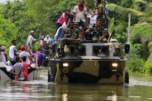 Sri Lanka: Armoured vehicles on flooded streets, Indian Navy sends...