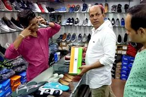 Kota shopkeeper booked for keeping shoes in tricolour-printed boxes