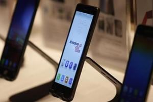 Lenovo's struggling mobile business sets sight on high-end market