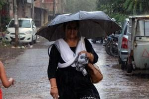 Mumbai to get cooler, light showers expected over the next 24 hours