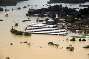 Sri Lanka appeals for help as floods cripple water supply