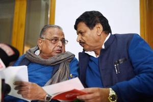 Rebel Samajwadi Party leader Shivpal Singh Yadav (right) said he would be the convenor of the front, while Mulayam would be its president.