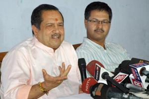 Senior RSS leader Indresh Kumar  interacts with mediapersons in Jaipur on Thursday.