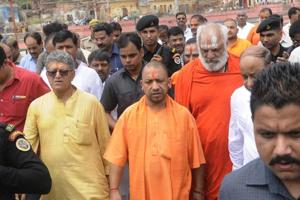 Chief minister Yogi Adityanath visits a temple in Ayodhya on Wednesday. Adityanath has not hosted an iftar, the first meal Muslims have after the day-long Roza fast in his political career.