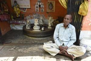 Surinder Kumar, father of Ravinder Kumar.