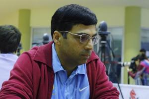 Viswanathan Anand bounced back in style after two defeats in the Altibox Norway Chess tournament with a win over Fabio Caruana in the sixth round.