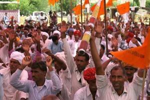 Farmers belonging to Bharatiya Kisan Sangh  at the mahapadaa (sit-in) in Jaipur.