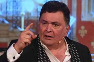 RIshi Kapoor is seemingly miffed with the negative sentiment of Pakistan cricket fans on his tweets, and raised the white flag with a message to end terrorism.