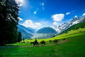12 stunning photos that shall take you on a mini-tour of Jammu and Kashmir