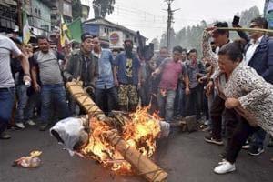 Sporadic arson scars Darjeeling, truck driver suffers severe burn...