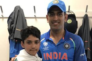 Azhar Ali's sons take pictures with Indian legends after Champions...