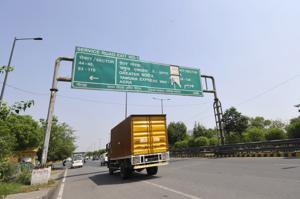 Authority to serve tea to reduce accidents on Yamuna expressway