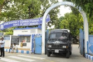 Once a judge, Karnan to share roof with 2000 inmates at Presidency...