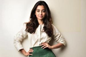 Radhika Apte is a mermaid in a blue bikini, see her video, pics from...
