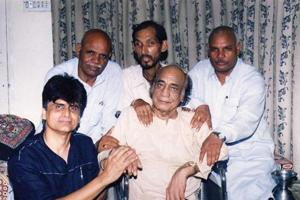Sons seek India's help to built Mehdi Hassan's mausoleum in Pakistan