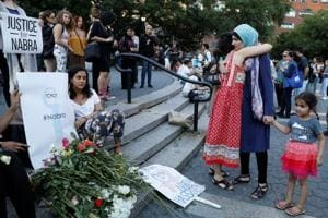 US: Thousands attend slain Muslim teen Nabra Hassanen's funeral in...