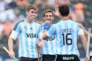 Maico Casella (L) scored twice as Argentina beat Pakistan 3-1 to become the first team to enter the last-four stage of the Hockey World League semifinal.