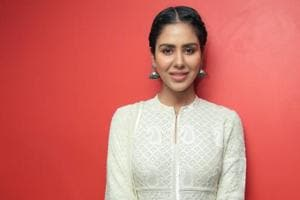 Here's what's keeping actor Sonam Bajwa from making her Bollywood...