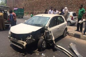 Speeding car climbs over pavement, mows down two in Delhi's Kashmere...