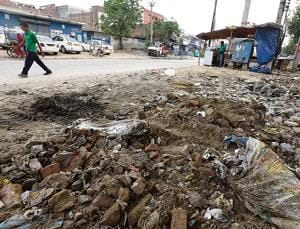 Gurgaon: Construction debris encroaching on Anaath Road removed