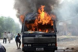 Maharashtra farmers' protest: Police arrest four and book 500,...