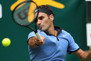Roger Federer cruises past Florian Mayer to reach Halle Open...