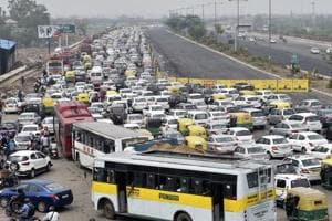 Crackdown on illegal buses in Delhi, over a thousand plying illegally...