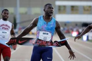Justin Gatlin holds off youngsters to win 100m at nationals