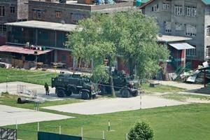 Srinagar: Over 14-hr encounter ends after 2 militants killed, 2 army...