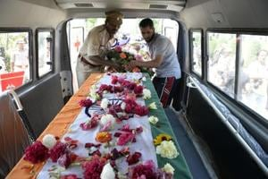Killed in Srinagar, CRPF officer body arrives in Gorakhpur; to be...