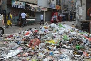 Crisis averted as sanitation supervisors in East Delhi MCD end strike