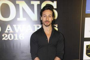 Tiger Shroff takes time of from his schedule to teach dance to kids
