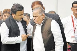 Presidential elections : Mulayam 'drifts' towards NDA, UPA woos...