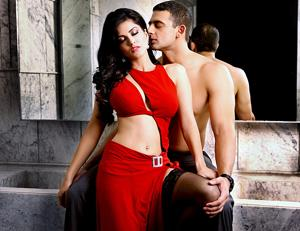Sunny Leone was the first choice to play Bipasha Basu's role in Jism