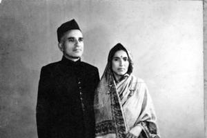 (L): Pandit Premnath Bazaz and his wife Badri.