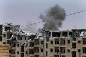 30 civilians dead in anti-IS strikes in Syria: monitor