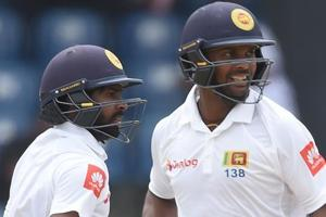When Niroshan Dickwella sought Asela Gunaratne's advice in SL's record...