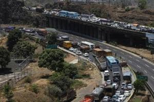 Mumbai-Pune expressway pile-up: 1 dead, 2 injured as four vehicles...