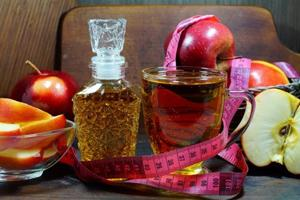 Does apple cider vinegar really help with weight loss? We find out