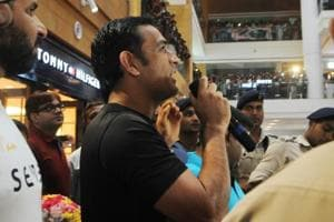 MS Dhoni opens maiden outlet of 'Seven' in Ranchi