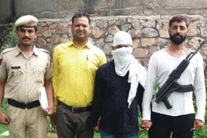 Gurgaon: 'Aloo gang' member held with illegal arms in Rewari