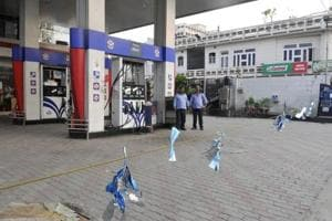 The state had around 900 HPCL outlets. Amid the chaos, some commuters were seen rushing to other petrol pumps and filling the fuel tanks of their vehicles to full capacity to stock up.
