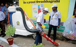 Automatic sweeping machines to clean roads of South Delhi