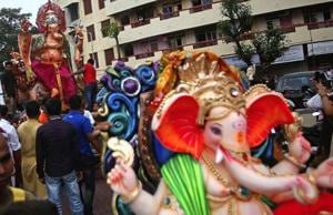 Politicians compete to celebrate Ganeshotsav, Dahi handi in Mumbai