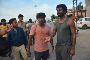 Noida police raid houses of cricketer Awana's attackers