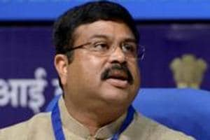 Govt to sell entire stake in HPCL to ONGC, says oil minister...